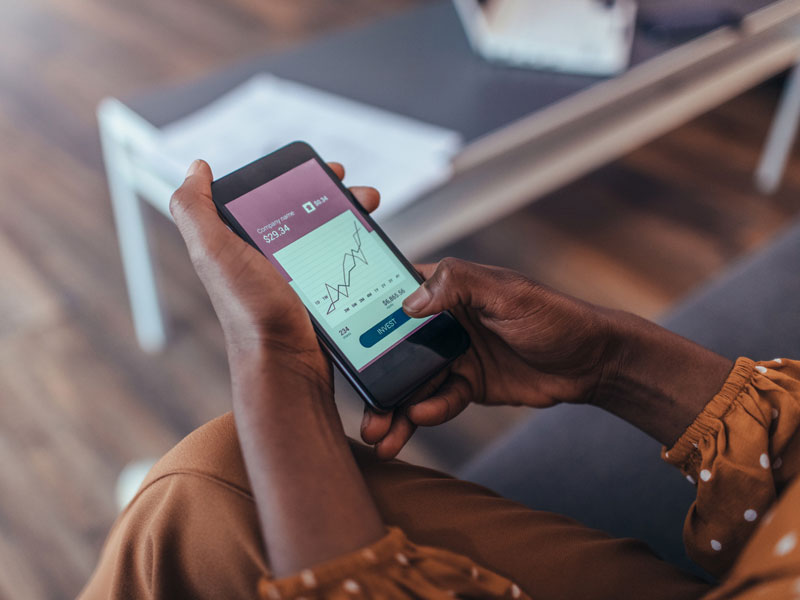 investing with a smart phone
